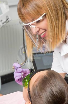 Izbijeljivanje zubi laserom 2