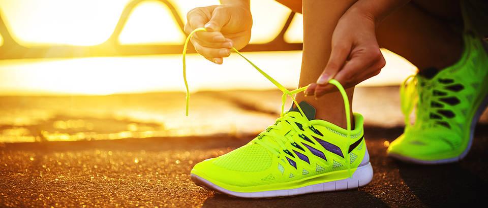 tenisice, zena, Shutterstock 212752630