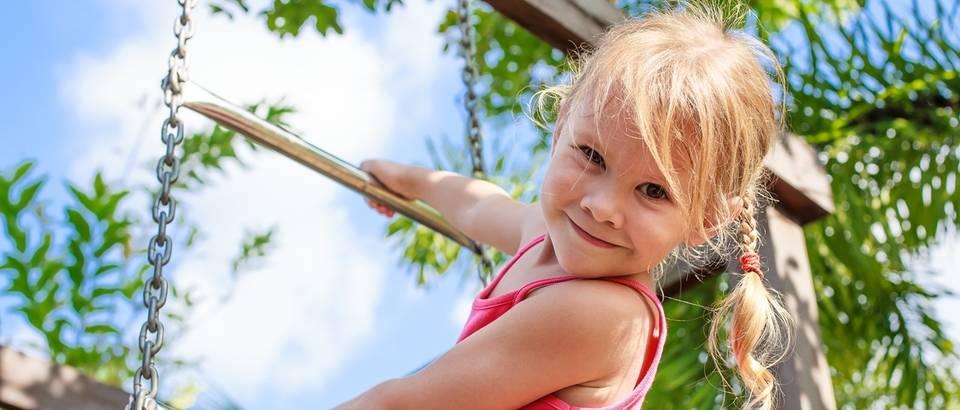 dijete, djevojcica, igra, shutterstock