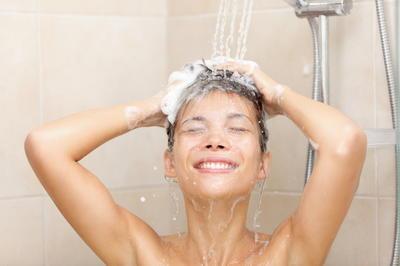 6 razloga zbog kojih vam se kosa brzo masti