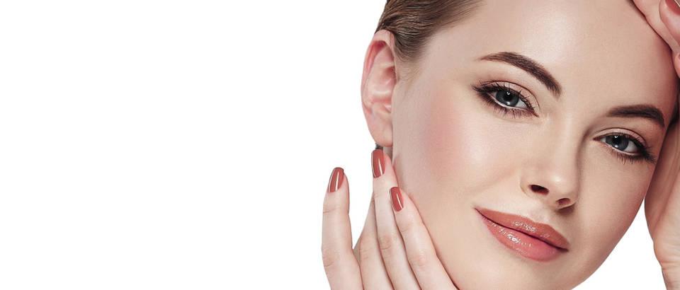 Ljepota koža šminka nokti rumenilo žena shutterstock 341400032