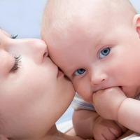beba mama sretni