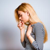 Kašljanje grlo bol u grlu shutterstock 419575141
