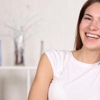 zena, osmijeh, vedrina, pozitiva, smijeh, vesela