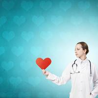 Srce doktorica zdravo srce shutterstock 318800702