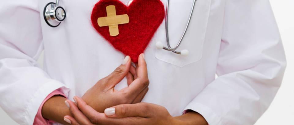 srce-lijecnik-stetoskop5