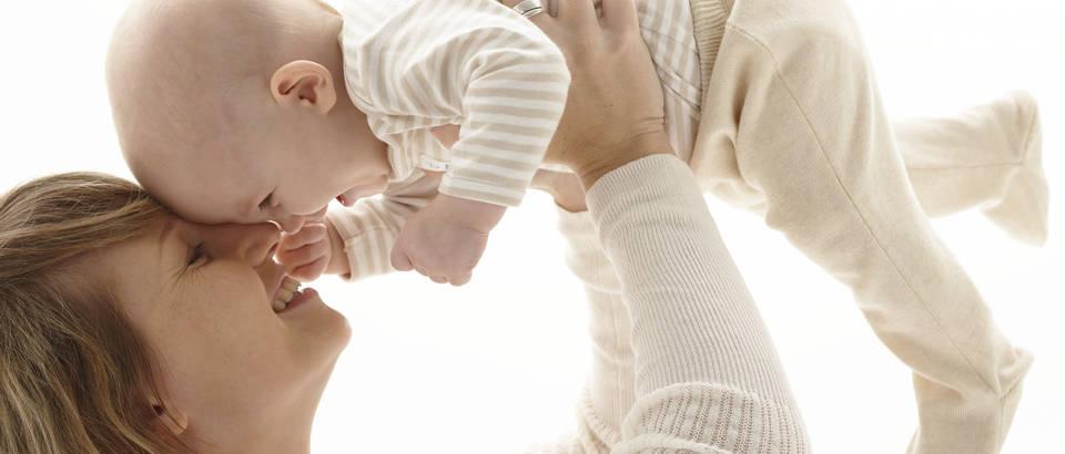 mama-beba-dijete-roditelj-ljubav