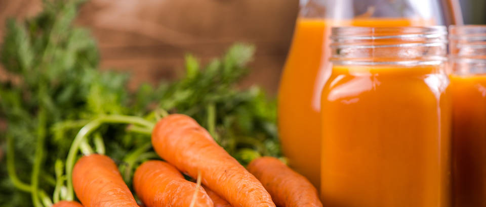 Mrkva sok sirup povrće karotenoidi shutterstock 311413481