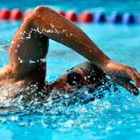 plivanje-kraul-sport-muskarac-vjezbanje