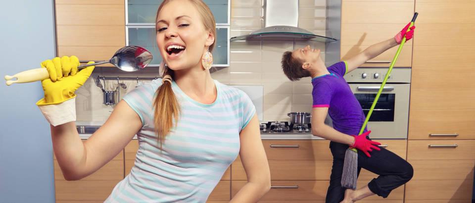 ples, pjesma, ciscenje, Shutterstock 102331519