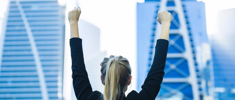 Uspijeh poslovna žena motivacija shutterstock 403515793