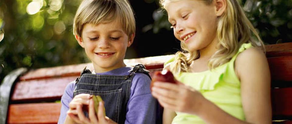 djeca, prijateljstvo, dijeljenje, dobrota