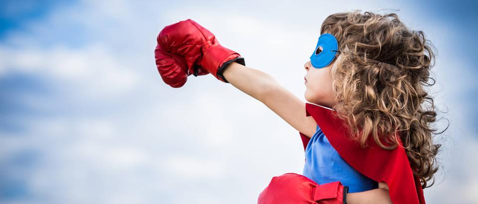 Dijete superheroj djeca shutterstock 183267626