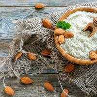 badem, bademovo brašno Shutterstock 529884817