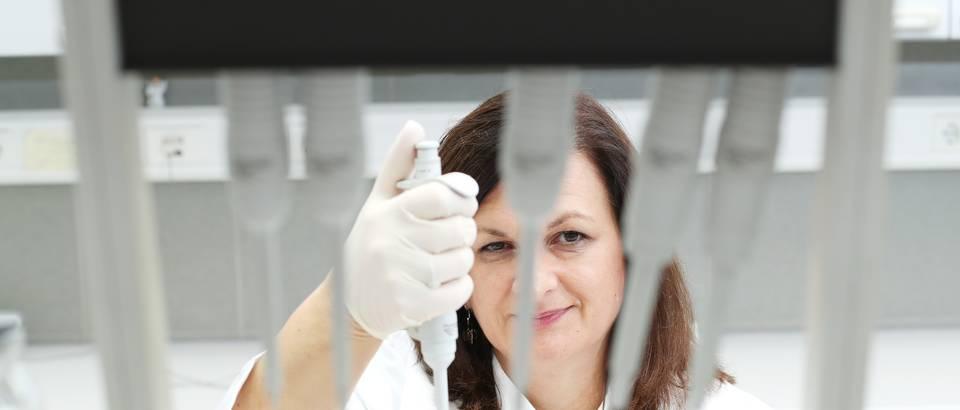 Prof. Darija Pašalić u laboratoriju