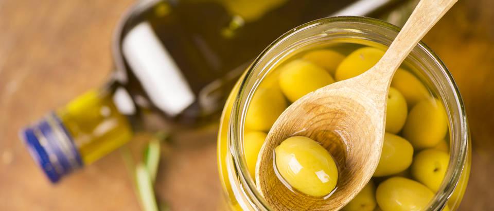 Masline maslinovo ulje masti shutterstock 166922159
