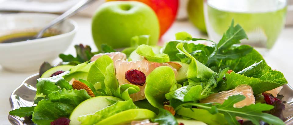 Zeleno povrće salata shutterstock 106896650