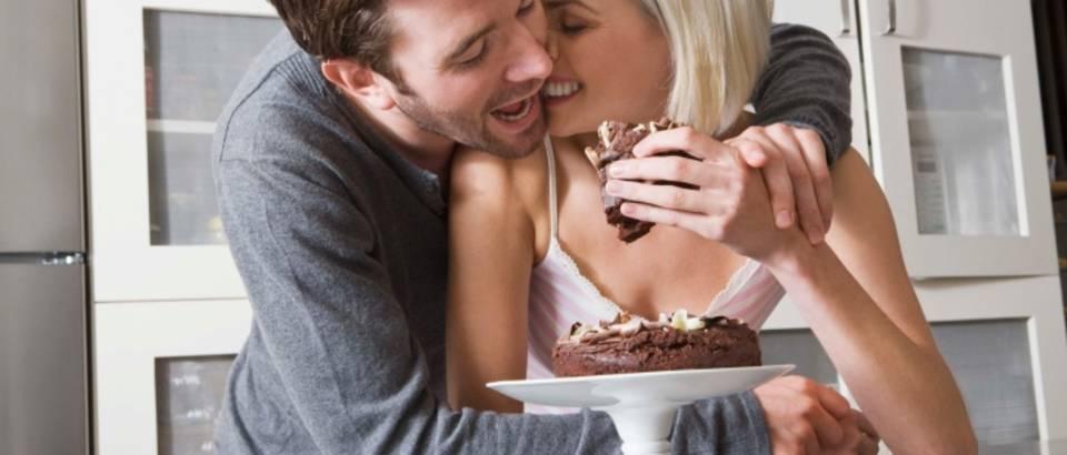 par-hrana-debljina-kolac-sreca-veza-ljubav2