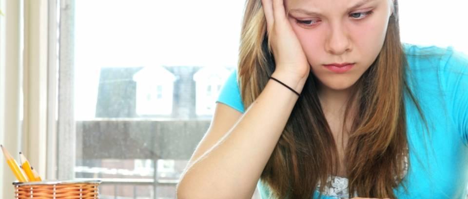 dijete-skola-ucenje-disleksija-tuga-depresija