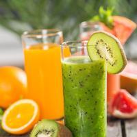 Kivi voće sok sokovi shutterstock 298945385