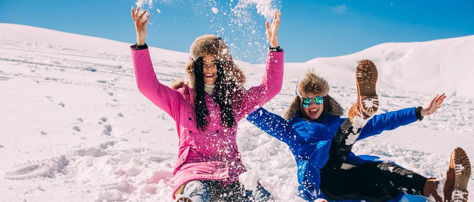 zima, majka i kci, Shutterstock 338334980r,