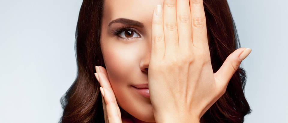 Žena, oko, ruka, Shutterstock 312653084