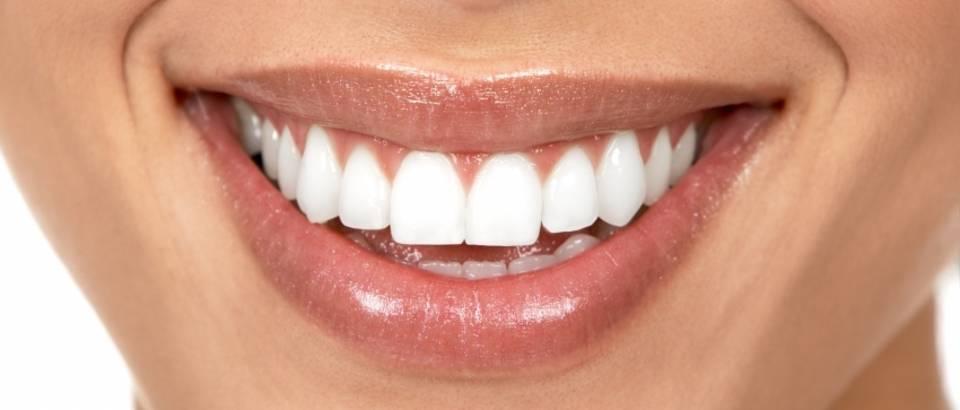 zubi-osmijeh-zubar1
