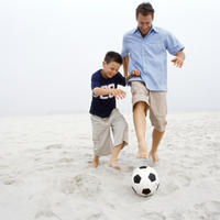 nogomet, plaza, otac i sin