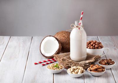 Zašto je dobro mlijeko od orašastih plodova i kako ga pripremiti?