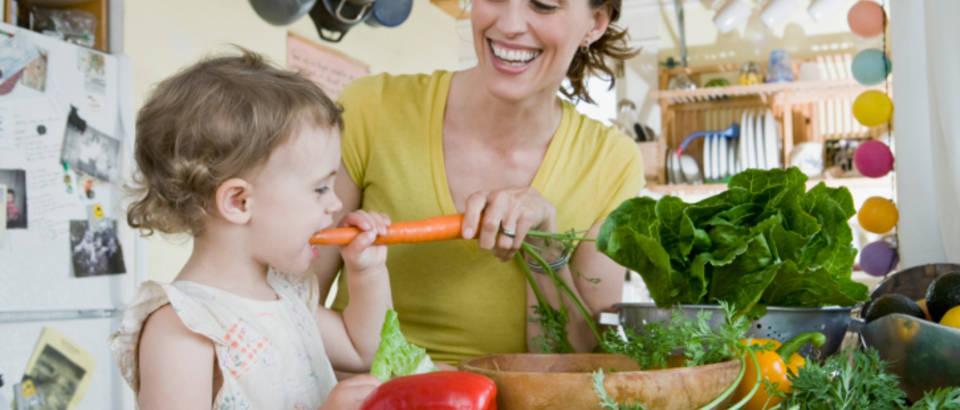 Povrce, mama, dijete
