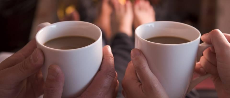Par, kava, caj, uzivanje, kamin, vatra