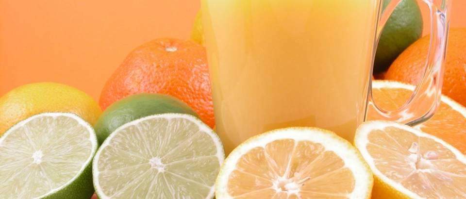 limeta, naranca, sok, vocni sok, voce, citrusi, agrumi