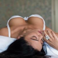 seks, grudi, zena, krevet, Shutterstock 308999300