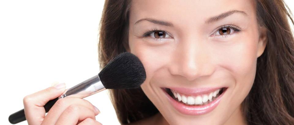 Rumenilo šminka koža lice make up šminkanje shutterstock 77751220