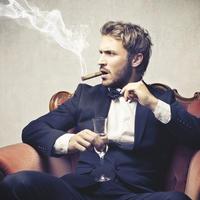 muskarac,brada,zgodan,sutterstock