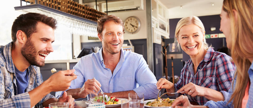 Hrana ručak prijatelji shutterstock (1)