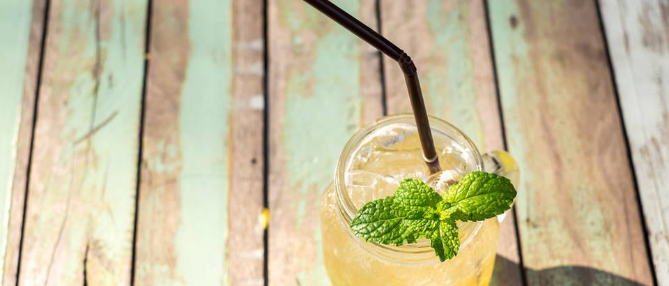 napitak, osvjezenje,limun,med,Shutterstock 272389880