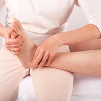 Bowen terapija masaza stopalo stopala shutterstock 273670961