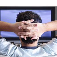 muskarac, tv, lijenost, dosada, televizor