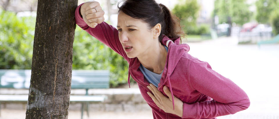 Žena, sport, srce, bol, Shutterstock 174193412