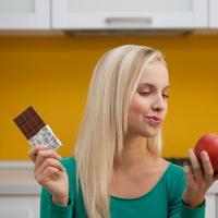 cokolada, jabuka, zdrava hrana, kalorije, dilema, mrsavljenje