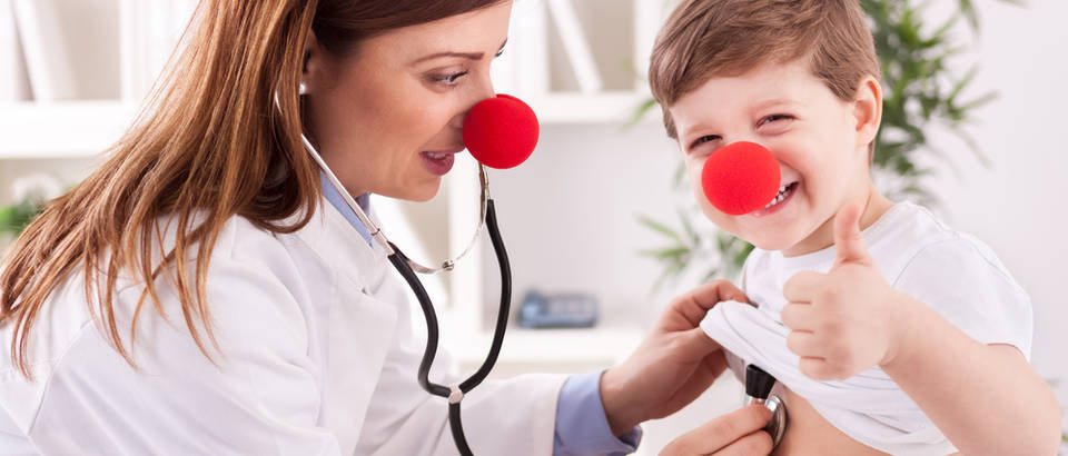 Srce dijete doktorica shutterstock 248455519