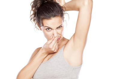 Neugodno znojenje: Pomozite si brzo i učinkovito