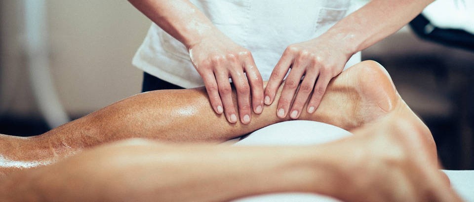 Masaža fizioterapija shutterstock 369191648