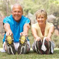 stariji-par-starost-vjezbanje-trening-istezanje-trcanje9