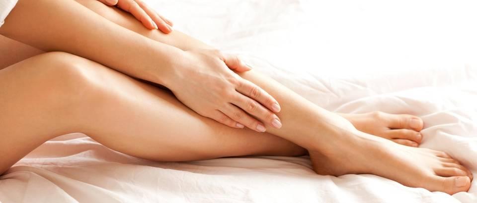 ženske noge žena noge stopala shutterstock 217888876
