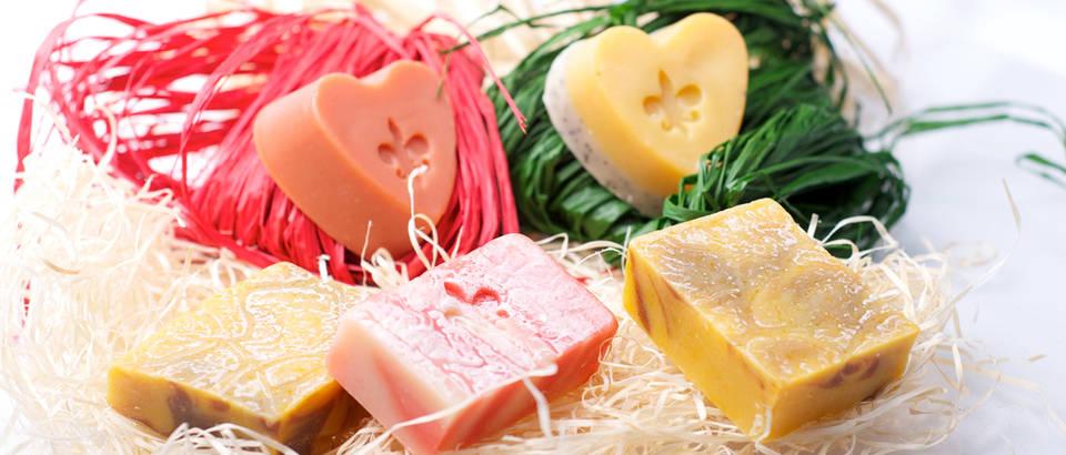 njega tijela, plocica za masazu, Shutterstock 235040143