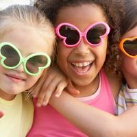 prijateljstvo, prijatelji, djeca, suncane naocale, smijeh, zabava