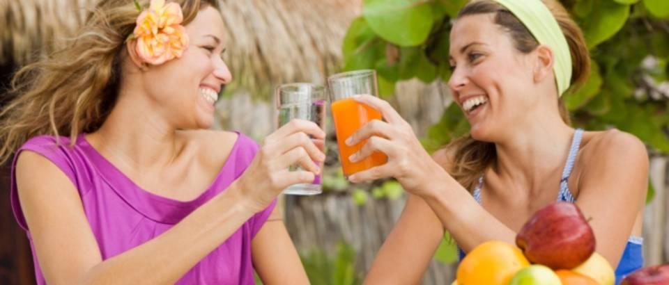 Prijateljice, voda, sok, zdravlje, sreca