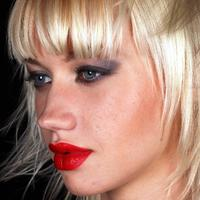 sminka, make-up, lijepa zena, ruz za usne, sjenilo, crveni ruz, kosa, frizura, bob frizura